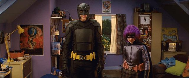 《特攻聯盟》「大老霸」尼可拉斯凱吉與「超殺女」克蘿伊摩蕾茲飾演一對父女。