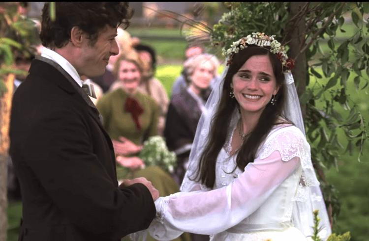 葛莉塔潔薇執導電影《她們》中,艾瑪華森飾演的瑪格馬區,是十九世紀婦女的代表性角色,認為婚姻是女人最好的歸途。