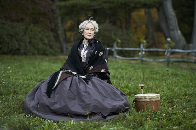 葛莉塔潔薇《她們》梅莉史翠普飾演的馬區姑姑。