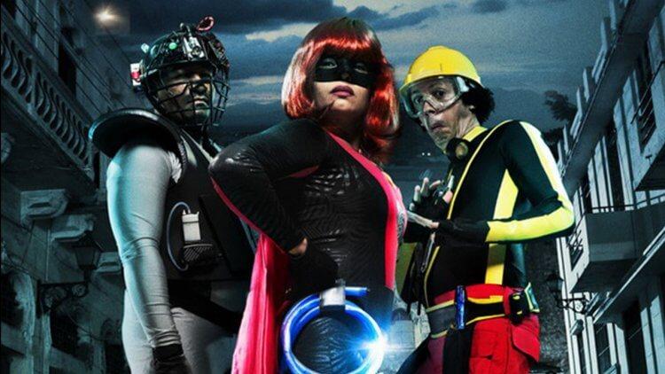 多明尼加英雄電影《勁爆英雄聯盟》也被《映畫秘寶》選為 2010 年代十大佳片。