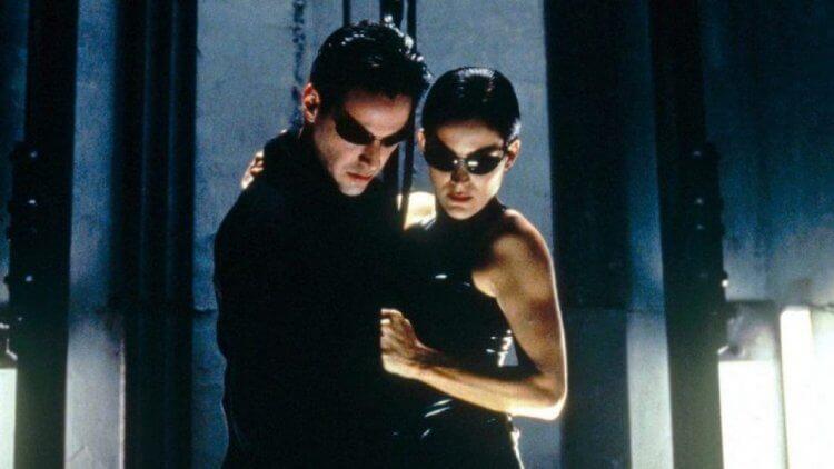 「沒有回到過去」「是愛情故事」!基努李維稍微劇透《駭客任務4》電影方向——首圖