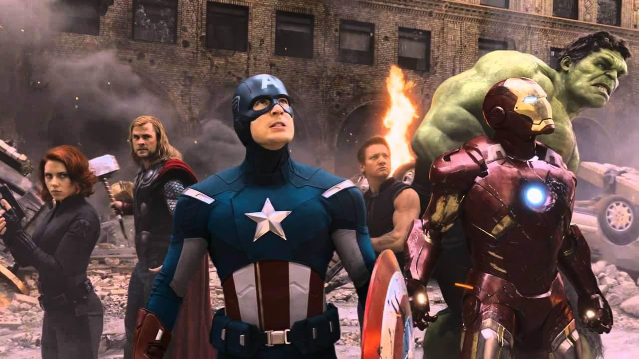 2012 年首度集結黑寡婦、雷神索爾、美國隊長、鷹眼、浩克、鋼鐵人的《復仇者聯盟》,在 2019 年《終局之戰》迎向各自的命運與歸宿。