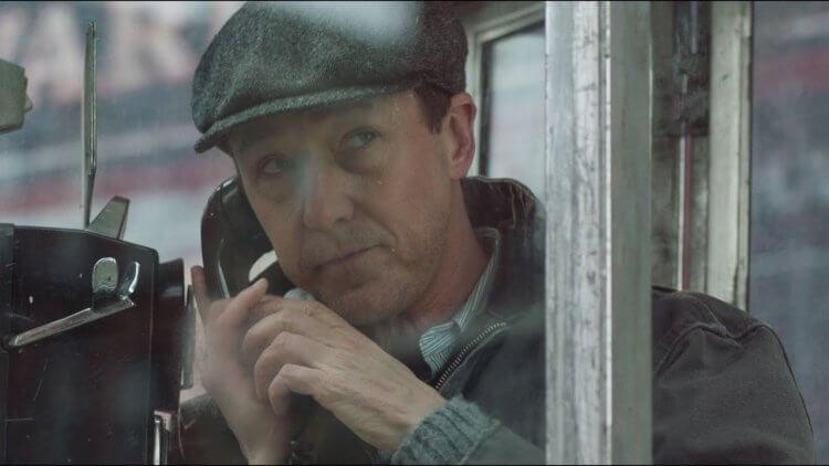 由愛德華紐頓一手包辦製片與編導的電影作品《布魯克林孤兒》,他在電影演一名私家偵探。