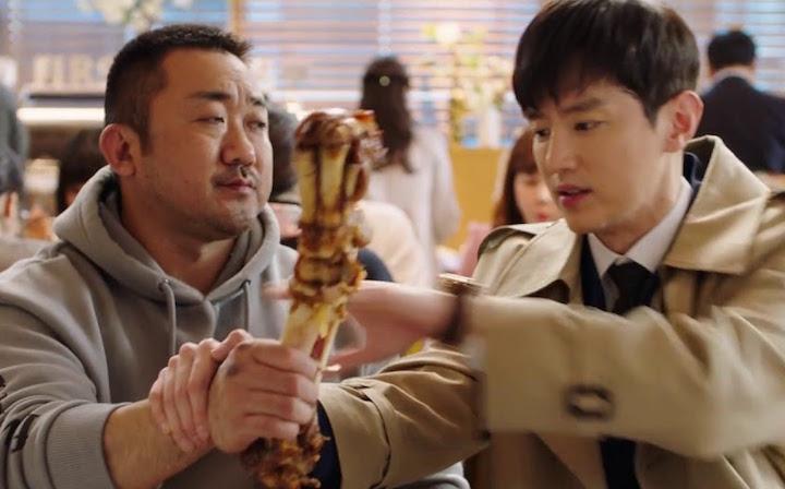 有陽剛熱血也有逗趣搞笑,看 馬東石 飾演的 大叔在片中展現「 反差萌 」。