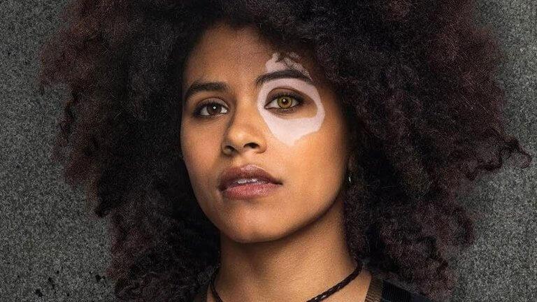 薩琪畢茲 (Zazie Beetz) 飾演的多米諾(Domino) 。