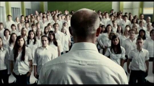 Netflix 德國影集《狂潮》改編自電影《惡魔教室》