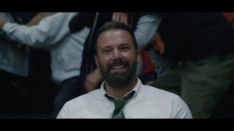 再度攜手《會計師》導演,「小班」班艾佛列克在籃球電影《The Way Back》留起落腮鬍當起大叔教練帶領籃球隊。