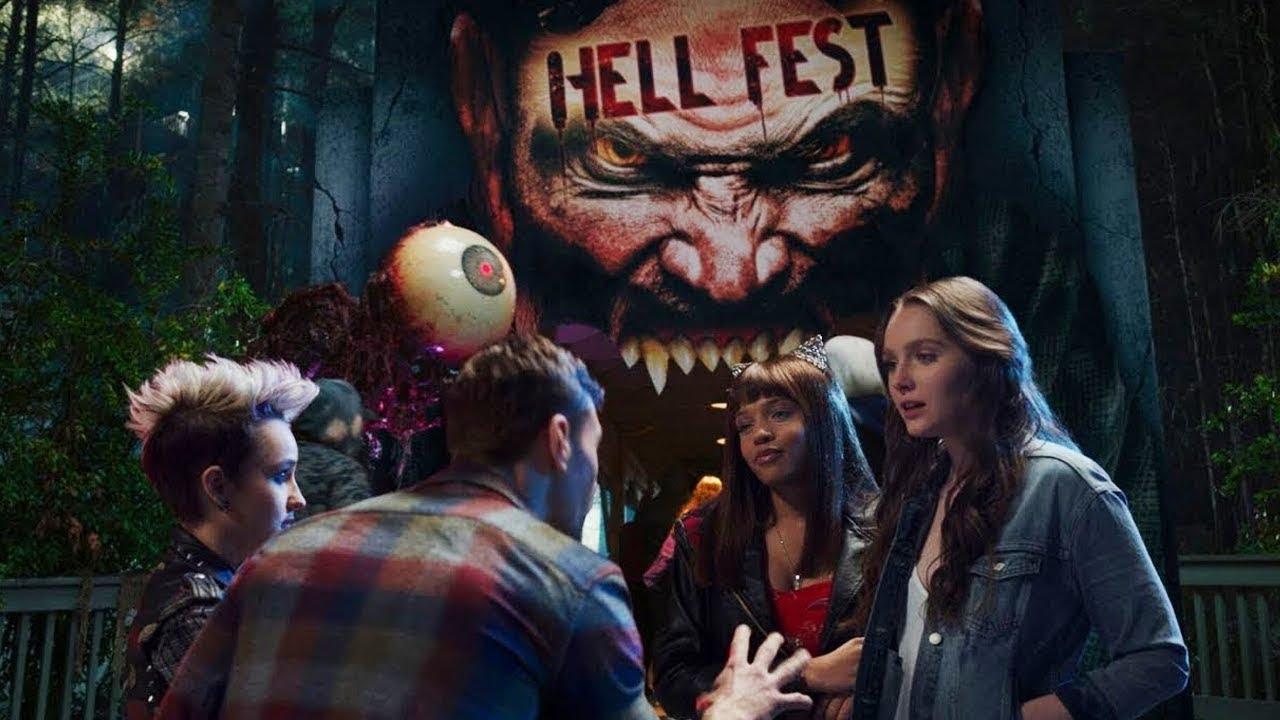致敬恐怖經典:《嚇地獄》誤把屍體當道具,面具殺人魔的嗜血遊樂場!首圖