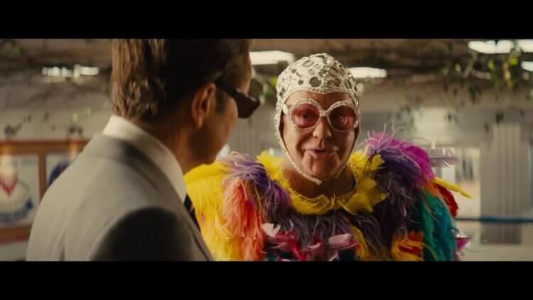 《金牌特務:機密對決》裡艾爾頓強有一段精彩戲份