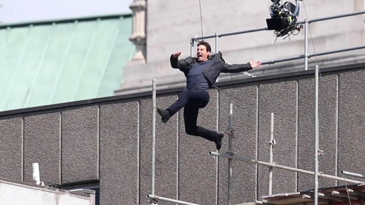 湯姆克魯斯主演並親身完成所有高難度特技動作的《不可能的任務:全面瓦解》(Mission: Impossible – Fallout) 。