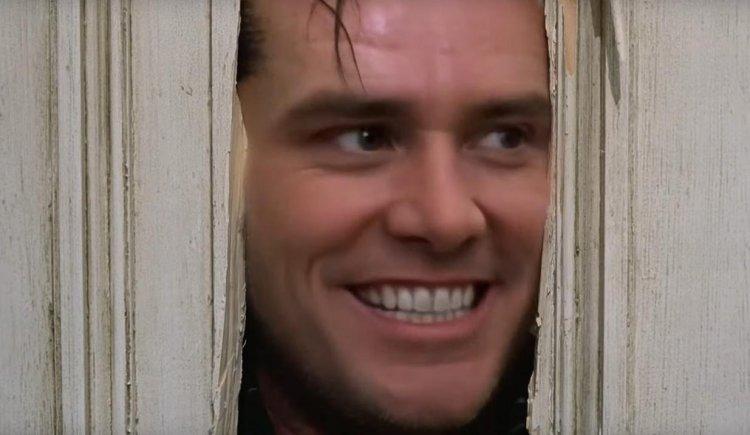 網友用換臉技術讓金凱瑞取代傑克尼克遜在《鬼店》裡的角色。