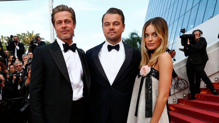 李奧納多狄卡皮歐 (Leonardo DiCaprio) 、布萊德彼特 (Brad Pitt) 、瑪格羅比 (Margot Robbie) 三人於坎城合照。