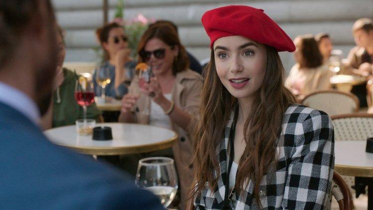 《慾望城市》主創操刀!莉莉柯林斯主演 Netflix 《艾蜜莉在巴黎》預告登場,槓上世界的女人!首圖