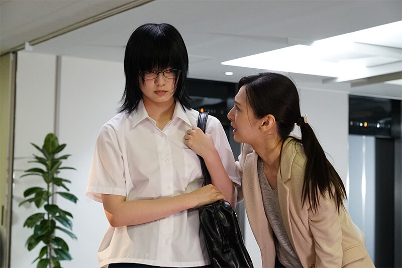 以漫畫《響~成為小說家的方法~》改編的電影中,北川景子飾演的熱血編輯發掘響的文才,並想藉此讓自家出版社翻轉劣勢。