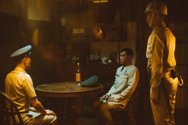 以戒嚴時期台灣為背景,改編自同名遊戲的電影《返校》將當年肅殺的社會氣氛表露無疑。