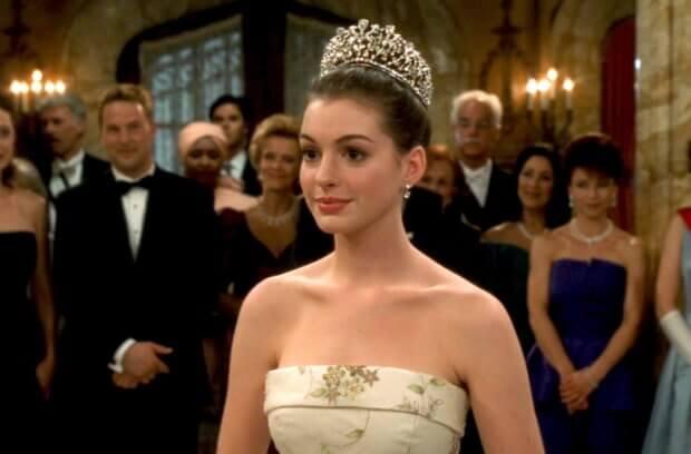 2001 年《麻雀變公主》安海瑟薇將蜜亞公主演的活潑動人,之後的螢幕形象卻也有點因此受限制。