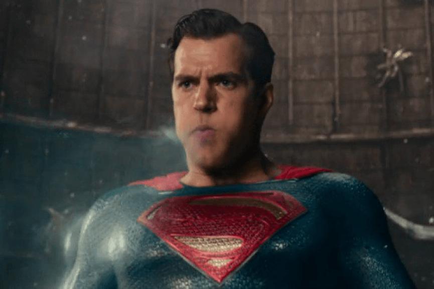 事實上,《 正義聯盟 》片中的 亨利卡維爾 超人 上唇有點不對勁