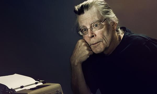 創作出《安眠醫生》《牠》《禁入墳場》等暢銷小說的恐怖大師:史蒂芬金。