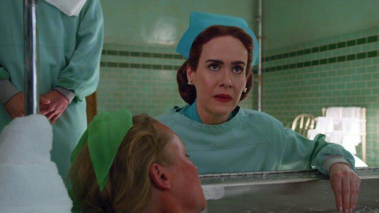 【線上看】Netflix《飛越杜鵑窩》前傳《拉契特》釋出新劇照,莎拉保羅森詮釋駭人護士長首圖