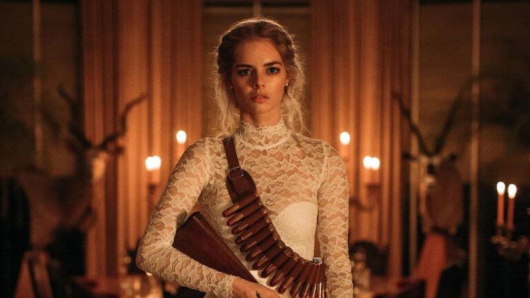 限制級不手軟《弒婚遊戲》傻妞新娘假戲真打,婚紗戰袍 17 變化訴說毛骨悚然的追殺物語