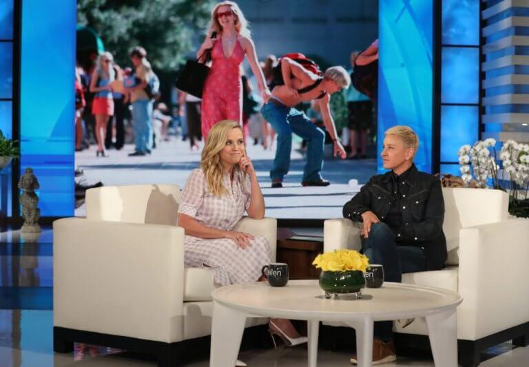 在《艾倫脫口秀》節目與主持人艾倫侃侃而談《金法尤物》電影將推全新續集的瑞絲薇斯朋。