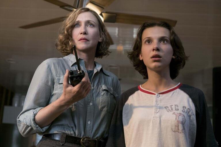 米莉芭比布朗 (Millie Bobby Brown),在《哥吉拉 II:怪獸之王》 中飾 君主組織科學家艾瑪羅素博士 (Dr. Emma Russell) 的女兒麥迪森
