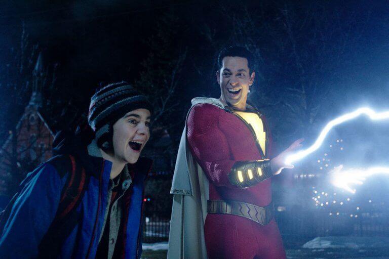 輕鬆歡樂的《沙贊!》將一掃 DCEU 先前電影的陰鬱風格,並帶來更多致敬超人蝙蝠俠水行俠等英雄的彩蛋畫面。