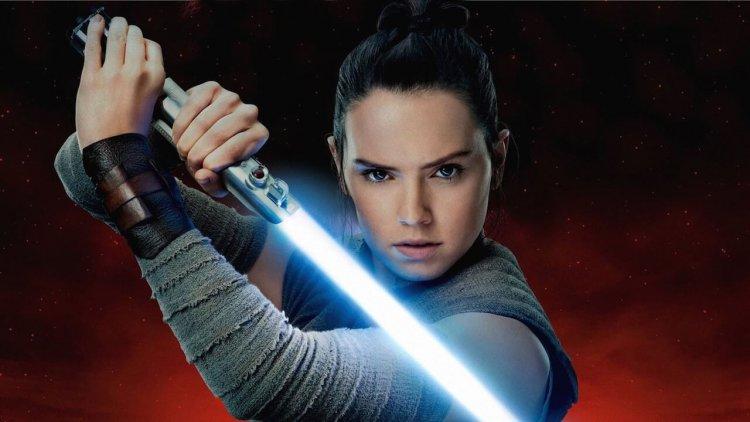 願原力與J.J. 亞伯拉罕同在!黛西蕾德莉表示:「《Star Wars : 天行者的崛起》結局很史詩。」首圖