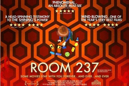 影迷拍了《鬼店》的紀錄片《鬼店之 237 號房》