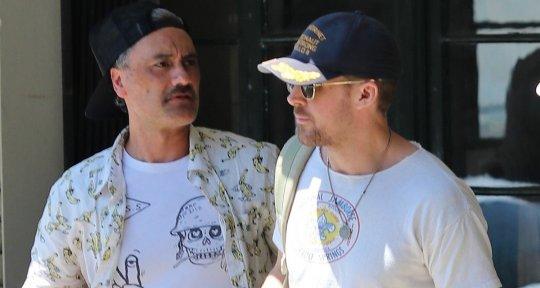 導演塔伊加維迪提 (Taika Waititi) 與男神雷恩葛斯林一起聚餐。