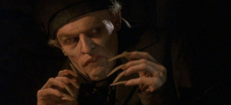 在《我和吸血鬼有份合約》(Shadow of the Vampire) 中,威廉達佛 (Willem Dafoe) 飾演馬克斯席瑞克 (Max Schreck),重現影史初期表現主義大師穆腦創造出的吸血鬼。