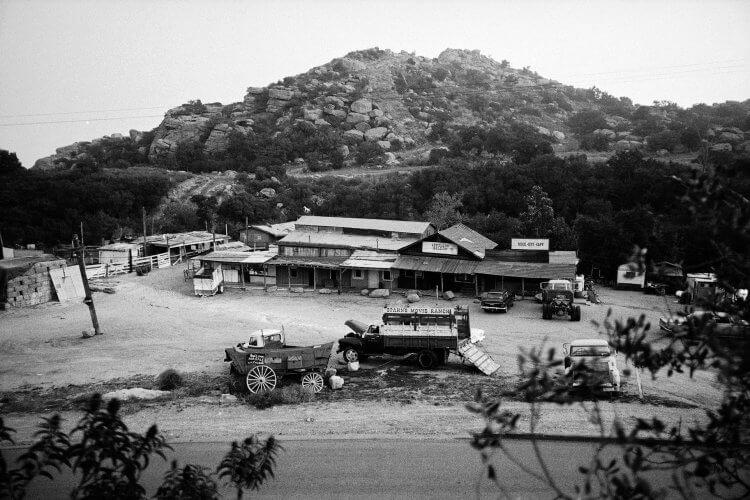 曾是量產西部片的重要片場,史潘片場在 60 年代後逐漸成為曼森家族的大本營。