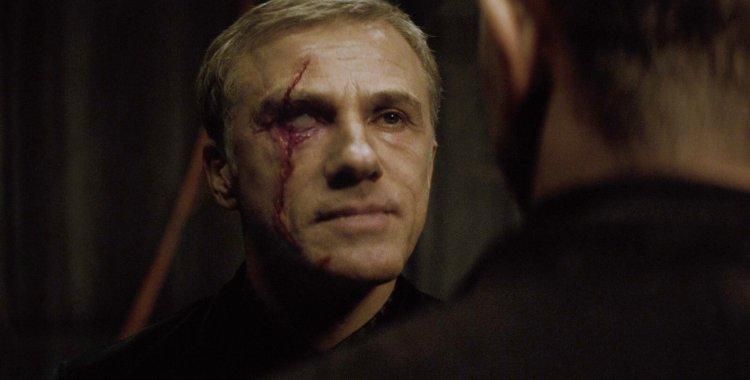 克里斯多夫華茲在《007:惡魔四伏》中飾演惡魔黨的首腦。