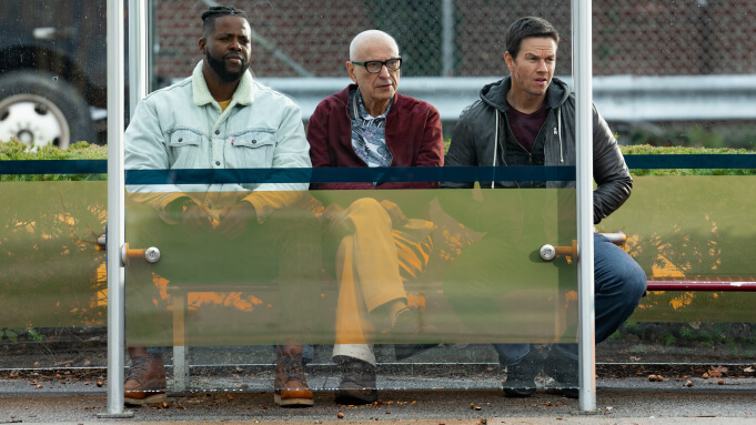 Netflix 動作喜劇電影《史賓賽的機密任務》由溫斯頓杜克,亞倫阿金與馬克華柏格主演。