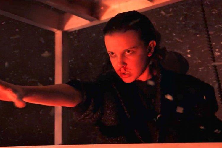 米莉芭比布朗在《怪奇物語》系列影集中飾演伊萊雯。