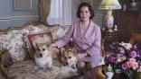 女王再臨!《王冠》(The Crown)第三季前導短片釋出,金獎影后奧莉薇雅柯爾曼優雅詮釋英國女王