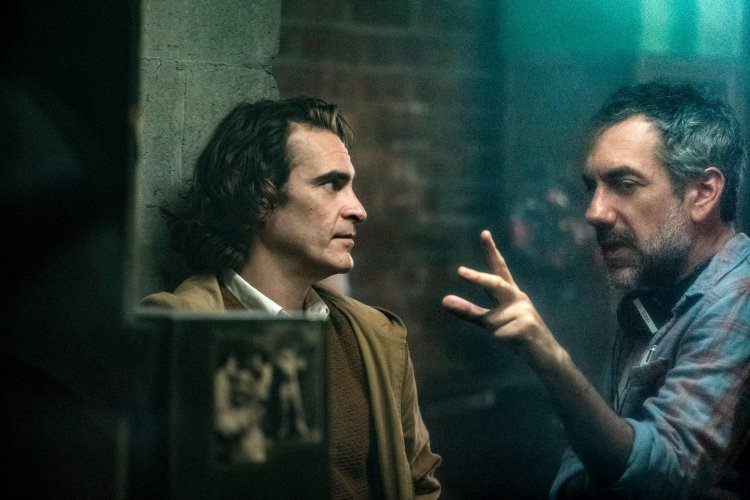 《小丑》瓦昆菲尼克斯與導演陶德菲利普斯。