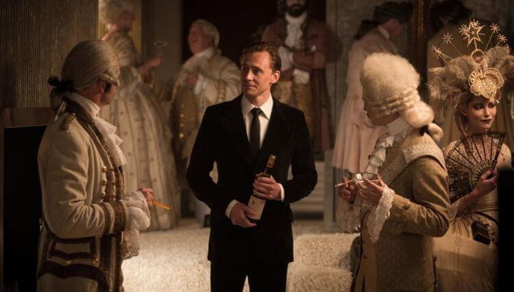 湯姆希德斯頓在由英國導演班懷特利執導的《摩天樓》中主演。