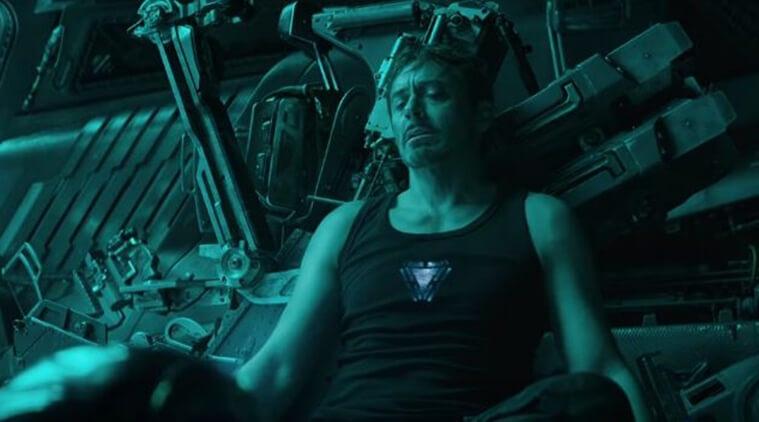 《復仇者聯盟 4:ENDGAME》前導預告中,在宇宙漂流的東尼史塔克。