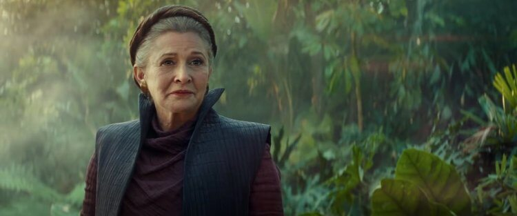 《STAR WARS:天行者的崛起》有許多能夠勾起星戰鐵粉的元素,像是讓已逝演員嘉莉費雪重回大銀幕。