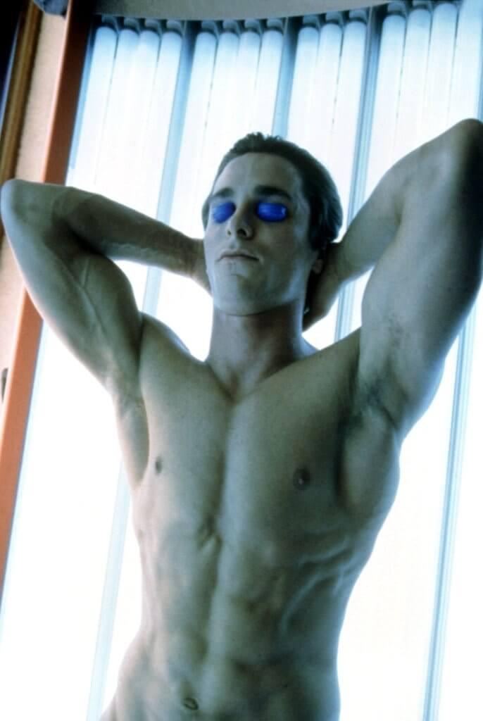 克里斯汀貝爾 2000 年電影《美國殺人魔》當中展露的健美身形。