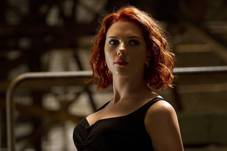 2012 年《復仇者聯盟》電影中的短髮黑寡婦造型。