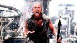 上映 25 年過去了,讓凱文科斯納陷入水深火熱的電影《水世界》為何成為影史最強票房毒藥之一?
