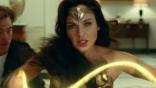 黛安娜不會在《神力女超人 1984》中使用劍與盾來戰鬥?蓋兒加朵:「這是有意安排。」