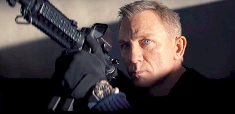 菲比沃勒布里奇也有參與丹尼爾克雷格最後一部龐德電影《007:生死交戰》的劇本編寫。